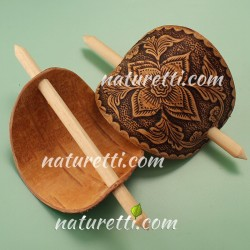 Haarspange aus Holz mit Holzstab in dem schönen Ethnostyle