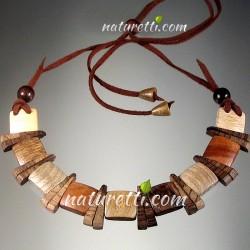 Damenschmuck, Halskette aus Holz