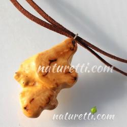 Amulett aus Wurzelholz